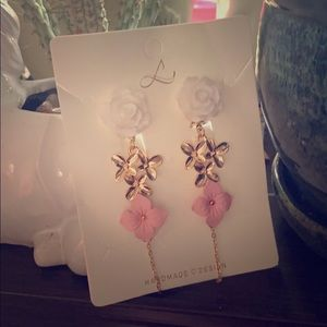Free w/purchase** Clip on earrings